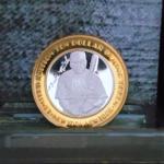 BABE RUTH $10 GAMING TOKEN NEW YORK NEW YORK LAS VEGAS .999 FINE SILVER.BRASS BEZEL 1.70in 43.30X2.80mm OB 24.00-38.00 V2
