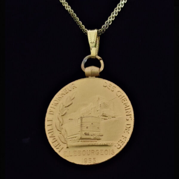 French 1955 Gold Plated Copper Medal French Woman Marianne by Guiraud .70 oz.1.26 x 32.00 x 4.20 mm 16.5 in Square Box Gold Plated Chain 15.56 rev